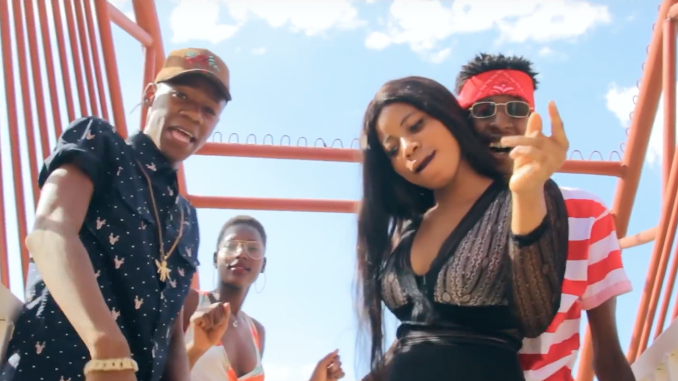 MOL B Feat. ADOUZY BLING - I'M ON MY WAY (Clip Officiel)